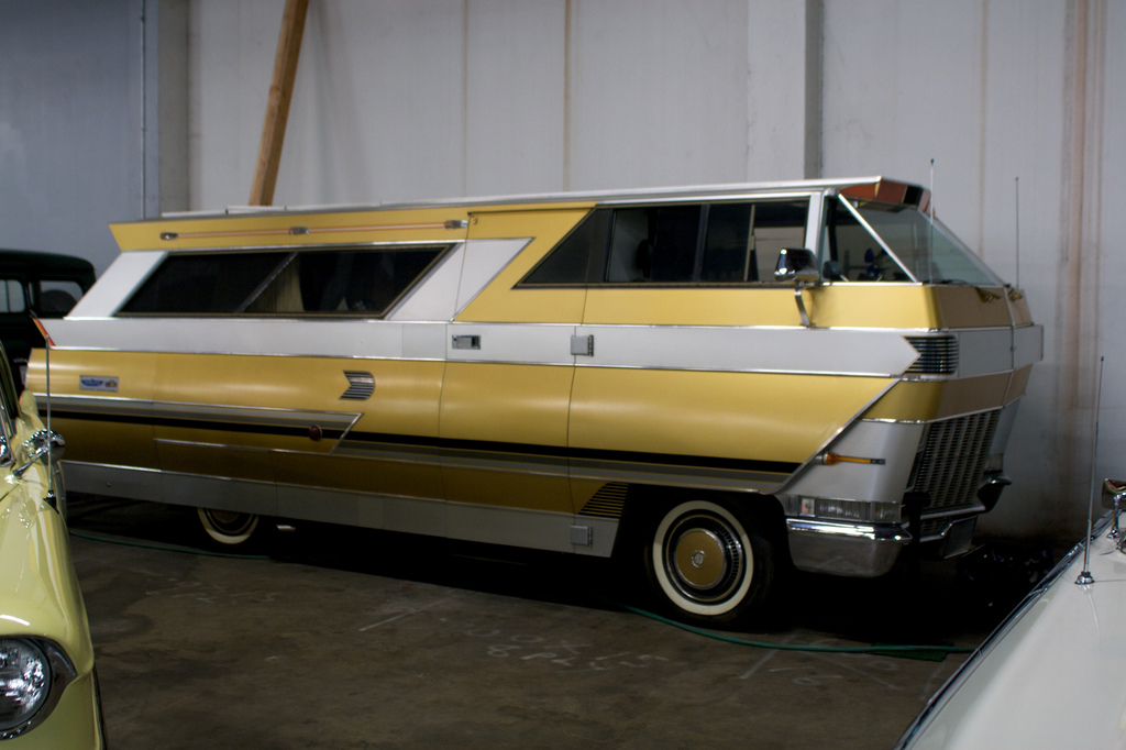 www.perfectduluthday.com/wp-content/uploads/2011/04/rv-winnebago-vintage-car-museum-by-Marcin-Wichary.jpg