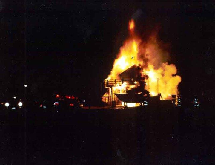 tom's burnt down bar