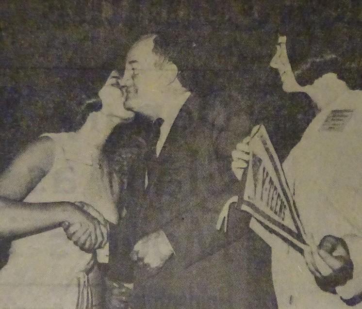 Miss Minnesota Kisses Humphrey